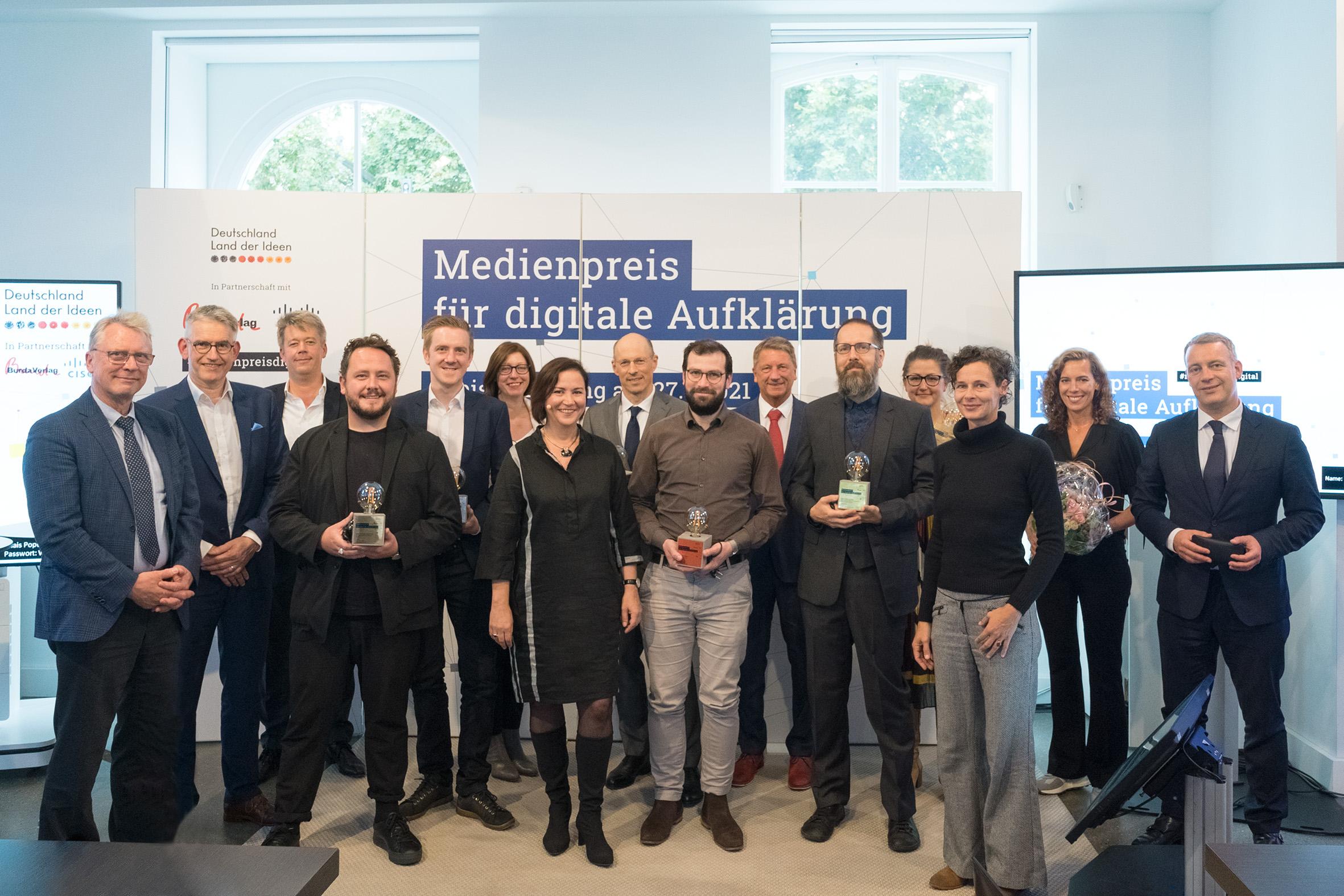 Diese Podcasts gewannen den Medienpreis für digitale Aufklärung